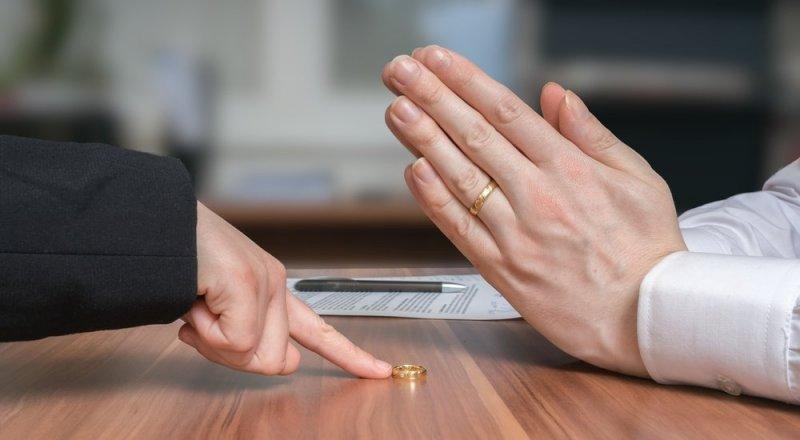 Казахстанцы разводятся из-за денег и родственников